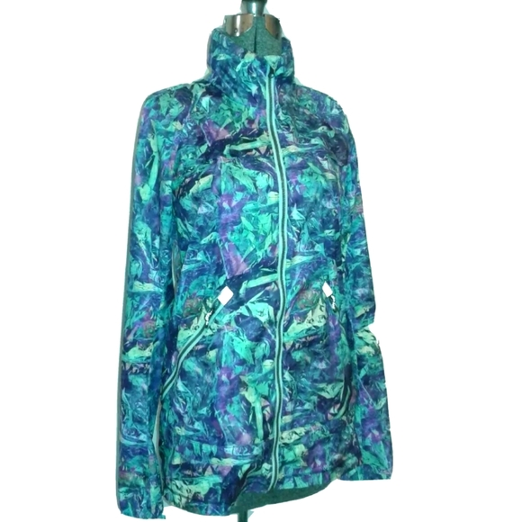 Lululemon Seawheeze Miss Misty hooded Jacket sz 6